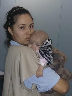 Gabriela Silva Gabi Ituiutaba Mãe Ana Paula Silva leucemia criança tratamento São Paulo (Foto: Queila Gomes/ Arquivo Pessoal)