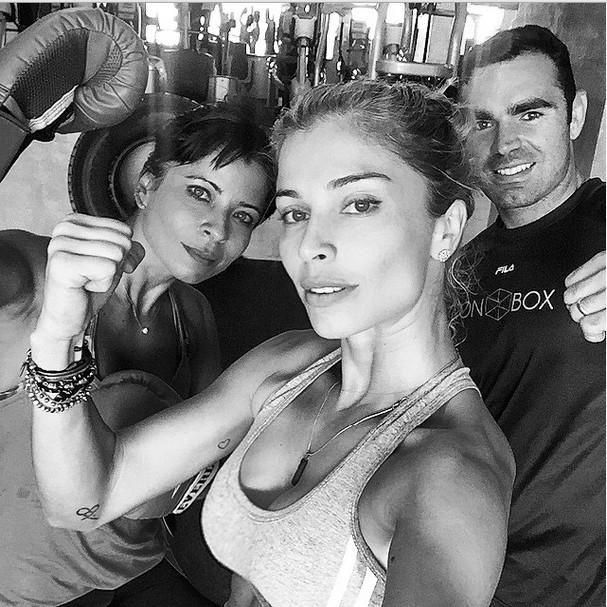 Grazi Massafera aparece musculosa em clique do Instagram