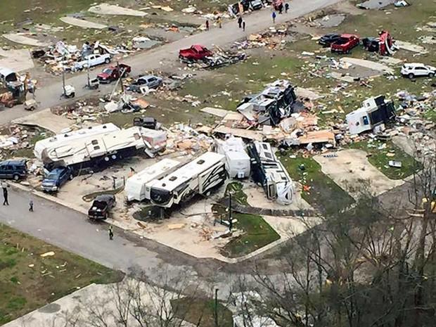 Tornados deixaram rastros de destruição na Louisiana (Foto: Governo da Louisiana / via Reuters)