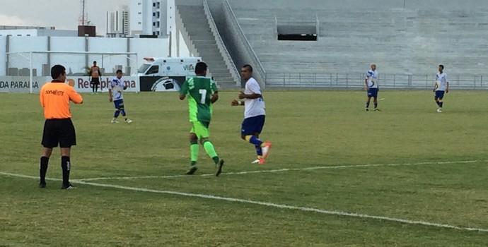 Partida entre Serrano e Perilima pela 2ª divisão do Campeonato Paraibano (Foto: Silas Batista / GloboEsporte.com/pb)