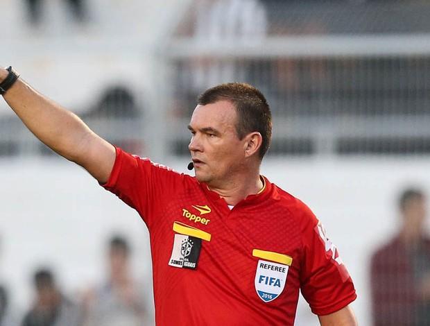árbitro Leandro Pedro Vuaden