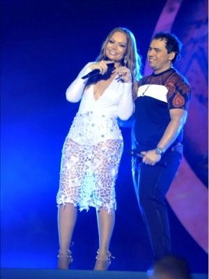 Dupla fez três trocas de figurino durante o show (Foto: Fred Pontes/ Divulgação)