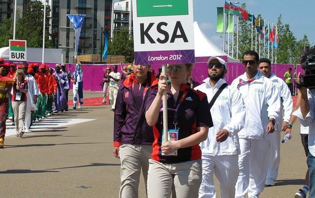 Arábia Saudita na cerimônia da bandeira das Olimpíadas de Londres (Foto: Gabriele Lomba / Globoesporte.com)