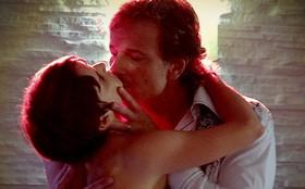 Decepção! Jorginho flagra Nina dançando coladinha com Max