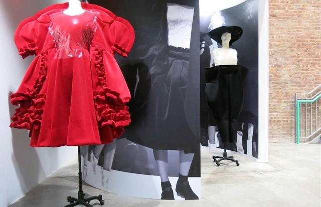 Exposição da Comme des Garçons no DSMNY (Foto: Reprodução)