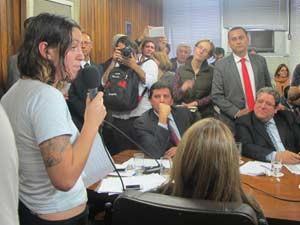Mayara Vivian participou de reunião de líderes na Câmara (Foto: Ana Carolina Moreno/G1)