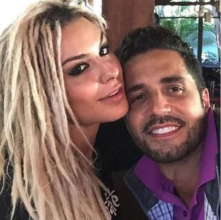 Fernanda Lacerda e Latino (Foto: Instagram / Reprodução)