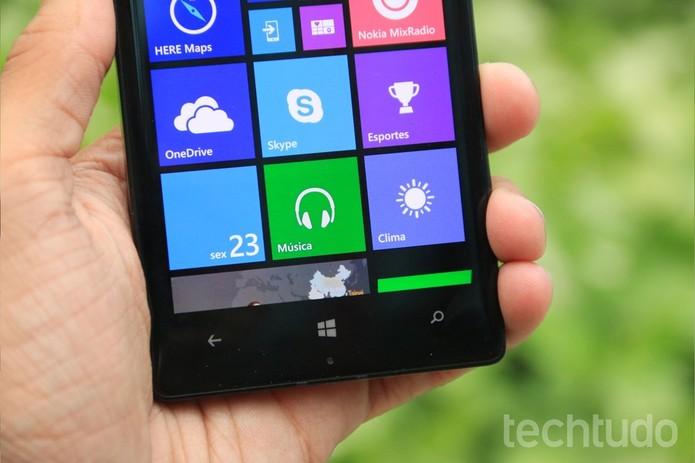 Bateria do Lumia 930 deixa a desejar em alguns aspectos (Foto: Lucas Mendes/TechTudo)