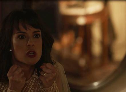 Lucinda tem ataque ao saber que Inácio foi na festa da rádio