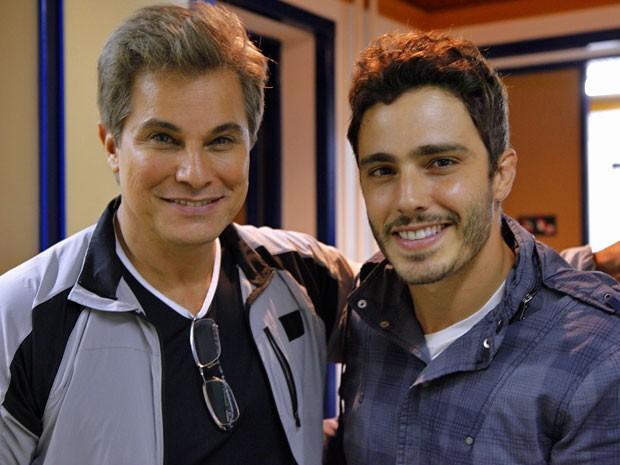Edson Celulari e Thiago Rodrigues (Foto: Guerra dos Sexos / TV Globo)