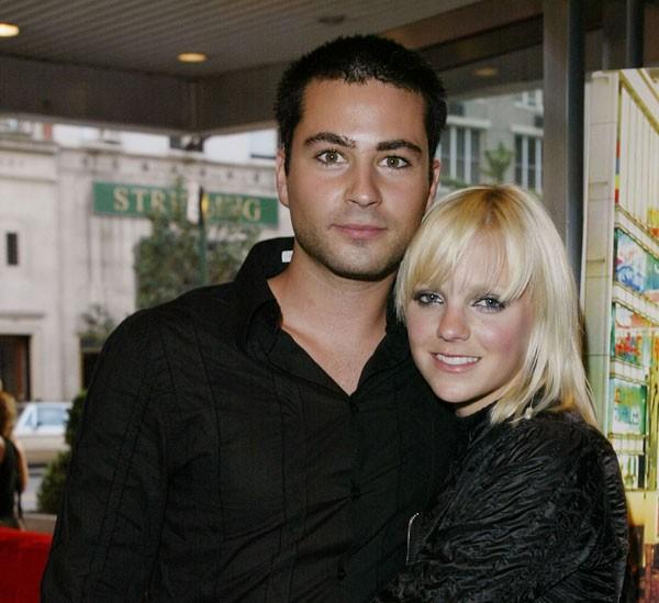 Anna Ferris ao lado do primeir ex, Ben Indra (Foto: Getty Images)