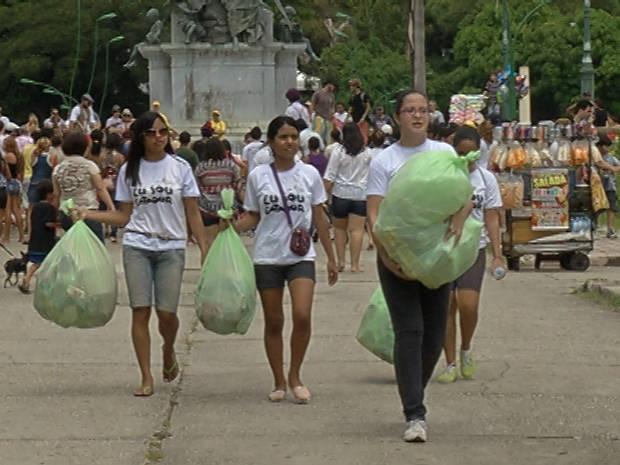 A Praça da República, em Belém, foi um dos pontos de coleta do Limpa Brasil (Foto: Reprodução / TV Liberal)