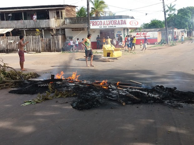 amapá; macapá; queima; protesto; (Foto: John Pacheco/G1)