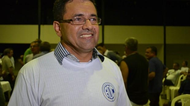 Luiz Roberto, presidente do Confiança (Foto: Felipe Martins / GLOBOESPORTE.COM)