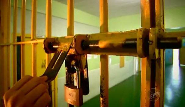Série ouve especialistas contrários e a favor da redução da maioridade penal no Brasil (Foto: Reprodução / EPTV)