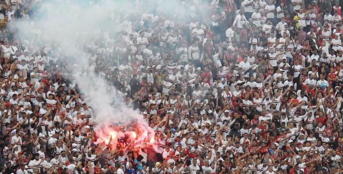 Torcida São Paulo Sinalizador  (Foto: Marcelo Hazan)