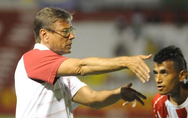 Rogério - Waldemar Lemos - Náutico (Foto: Aldo Carneiro)