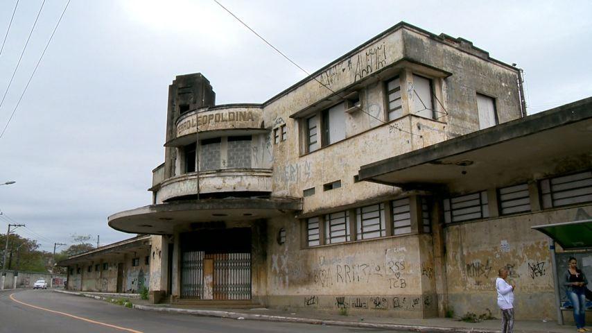 Estação Argolas encontra-se completamente abandonada (Foto: Divulgação/ TV Gazeta)