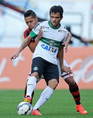 Norberto coritiba e João Paulo Flamengo brasileirão (Foto: Agência Getty Images)