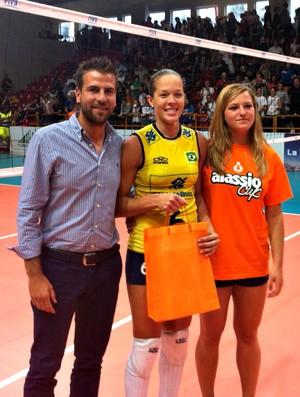 vôlei Monique Brasil x Itália torneio de Alassio (Foto: Leonardo Moraes / CBV)