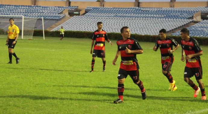 Flamengo-PI x Piauí (Foto: Abdias Bideh/GloboEsporte.com)