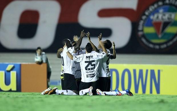 gol  do Sport x Atlético-GO (Foto: Adalberto Marques / Ag. Estado)