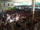 Movimento é intenso na rodoviária  de Salvador na véspera do feriadão