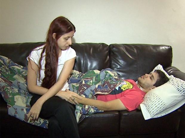 Bianca e Guilherme falam dos momentos de apreensão vividos após o acidente com cerol em Ribeirão Preto, SP (Foto: Reprodução/EPTV)