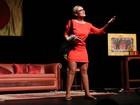 Andressa Urach faz striptease em cima do palco e diz: 'Foi o mais fácil'