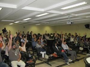 Assembleia decide continuidade da greve na Unifesp (Foto: Letícia Macedo/ G1 )