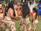 Índios terenas dançam para pedir chuva no Centro-Oeste Paulista