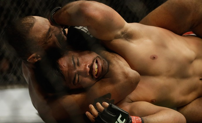 Mark Munoz x Roan Carneiro ufc 184 (Foto: Getty Images)