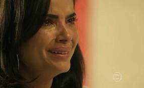 Tóia revela para Juliano que está grávida de Romero