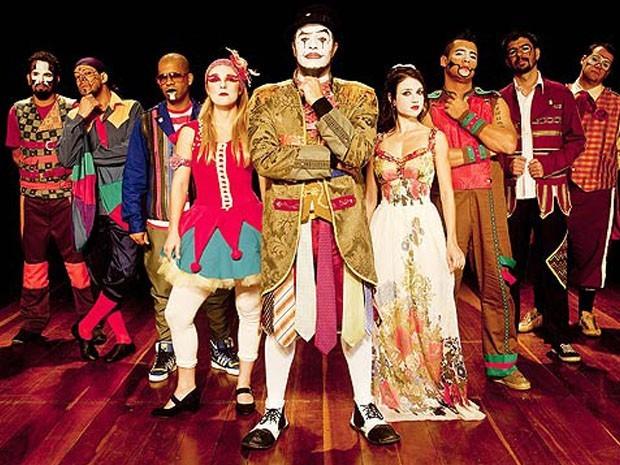 Trupe O Teatro Mágico é uma das atrações da Festa do Bom Jesus de Tremembé. (Foto: Asssessoria de Imprensa/ O Teatro Mágico)