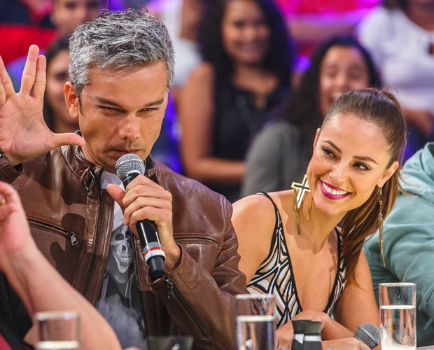 Paolla Oliveira se diverte no Amor e Sexo (Foto: Artur Meninea / Gshow)