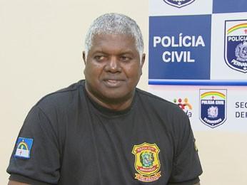 Delegado investiga flagrante (Foto: Reprodução/ TV Globo)