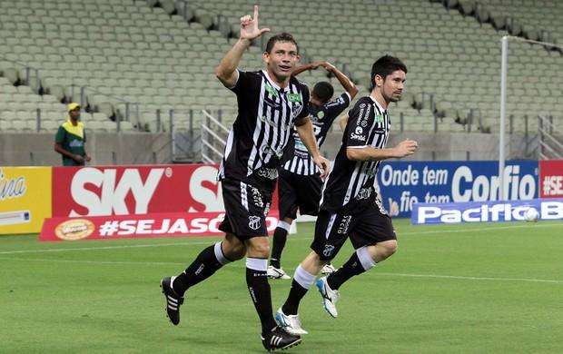 Mota gol Ceará x Avaí (Foto: LC Moreira / Futura Press)