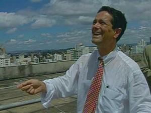 Imagem clássica de Toninho do PT no primeiro dia de governo em Campinas, em 2001 (Foto: Reprodução / Arquivo EPTV)