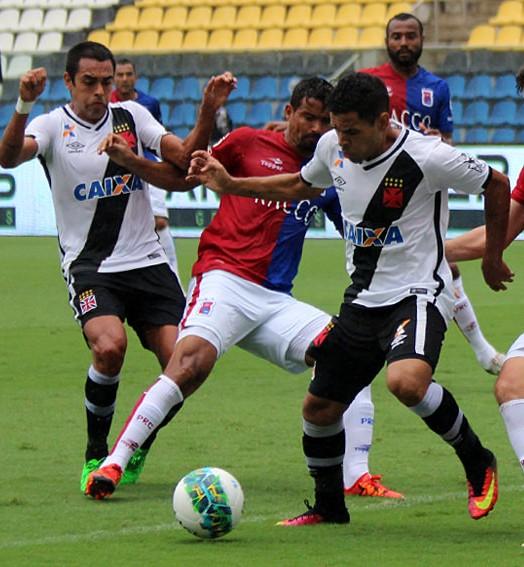 atuações (Carlos Gregório Jr/Vasco.com.br)