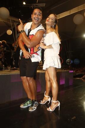 Xanddy e Claudia Leitte em show em Salvador, na Bahia (Foto: Fred Pontes/ Brazil News)
