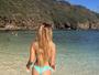Carolina Portaluppi mostra o corpaço em dia de praia no Havaí