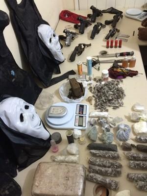 Material apreendido pela PM nesta quinta em Natal (Foto: Divulgação/Polícia Militar do RN)