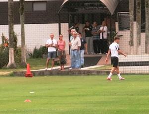 Lucas Lima deixa treino Santos (Foto: Lincoln Chaves)