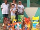 Garoto troca presentes de aniversário por ração e doa a ONG em Teresina