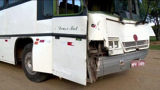 Acidente envolvendo dois ônibus escolares deixa crianças feridas no ES
