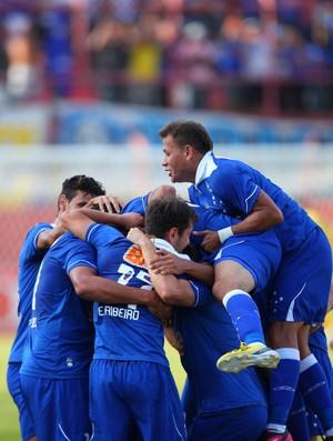 Jogadores cruzeiro gol (Foto: Samuel Costa / Ag. Estado)