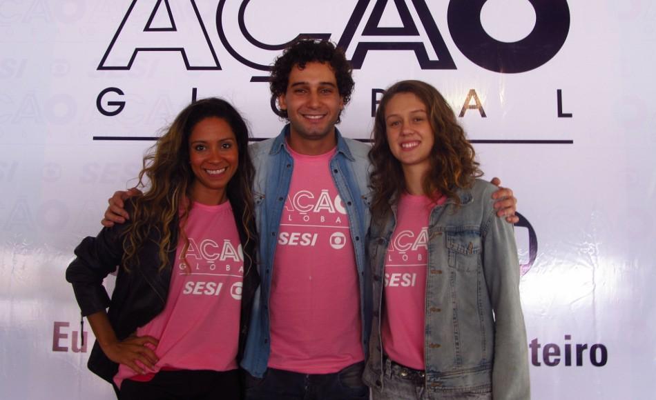 Cinara Leal, Rafael Almeida e Aline Peixoto na Ação Global em Cachoeiro de Itapemirim (ES) (Foto: Ludmila Nascimento)