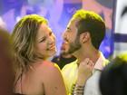 Matheus aprova fotos sensuais de Cacau para o Paparazzo: 'Incrível'