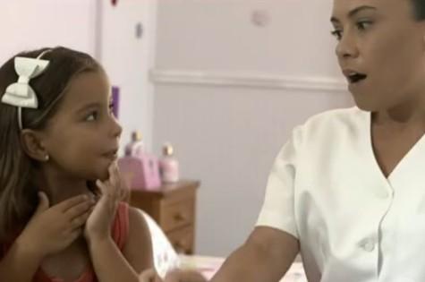 Cena de um dos clipes de Momentos em família (Foto: Reprodução)