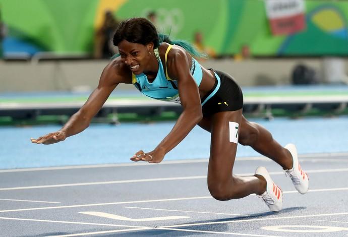 GALERIA - Shaunae Miller, de Bahamas, mergulha para vencer a final dos 400m  (Foto: Alexander Hassenstein/Getty Images)